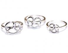 b rings